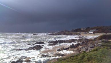 La grande côte à Batz-sur-Mer par temps de grand vent