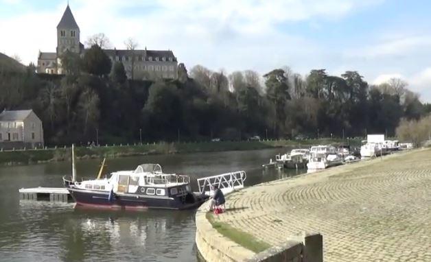 vue du port de plaisance de Château-Gontier